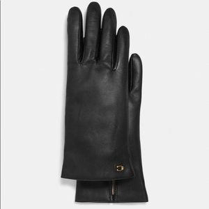 NWT! COACH Leather Tech Gloves (cashmere lined!)
